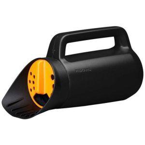 Купить Разбрасыватель Fiskars Solid, 30 см (1057076)