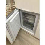 Встраиваемый холодильник Hansa BK316.3FA цвет белый