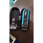 Электробритва Braun 3040TS Series 3 ProSkin + гель для бритья Gillette + футляр + несессер цвет черный/синий